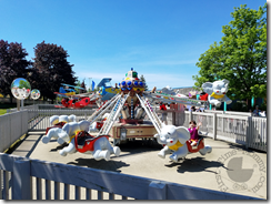 So many kiddie rides!