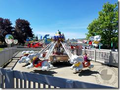 So many kiddie rides!